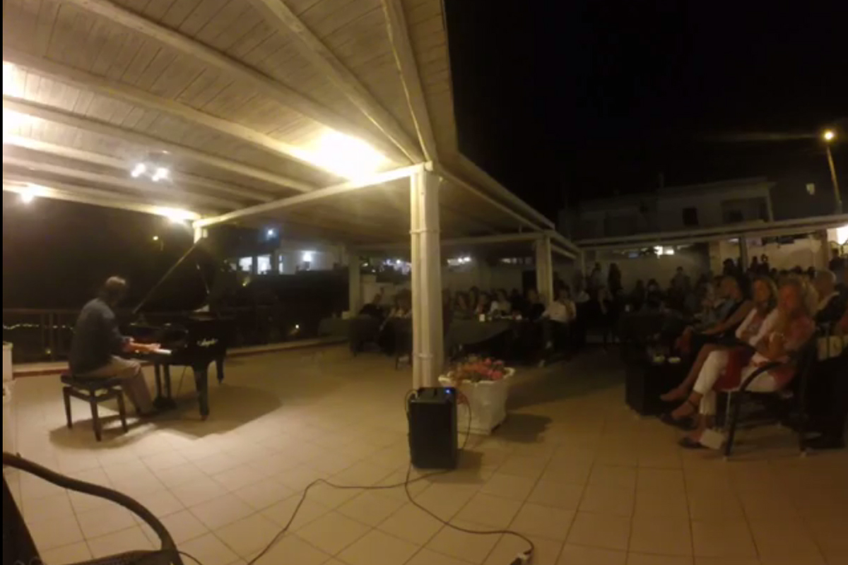 Francesco de Donatis in Concert at Yacht Club Leuca